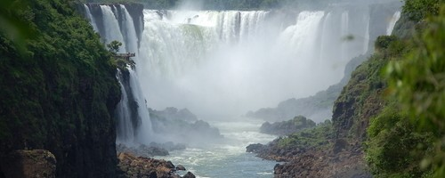 devils-throat-at-iguazu-falls-arg138